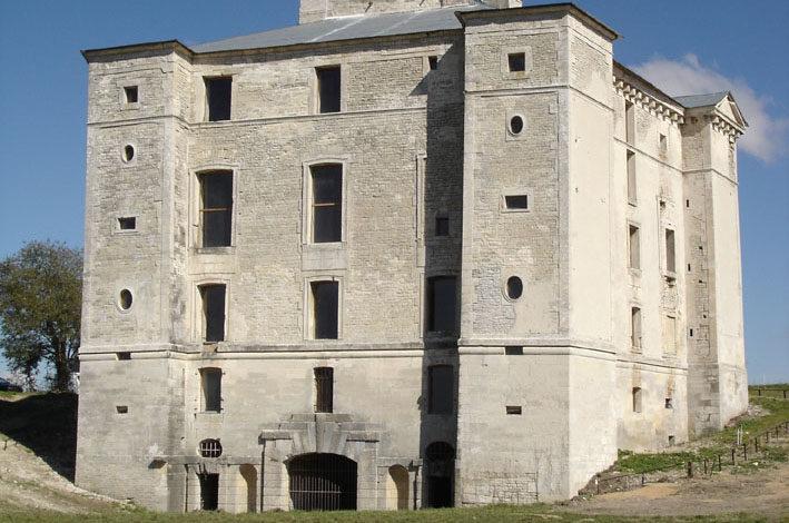 Château de Maulnes_Cruzy le Châtel