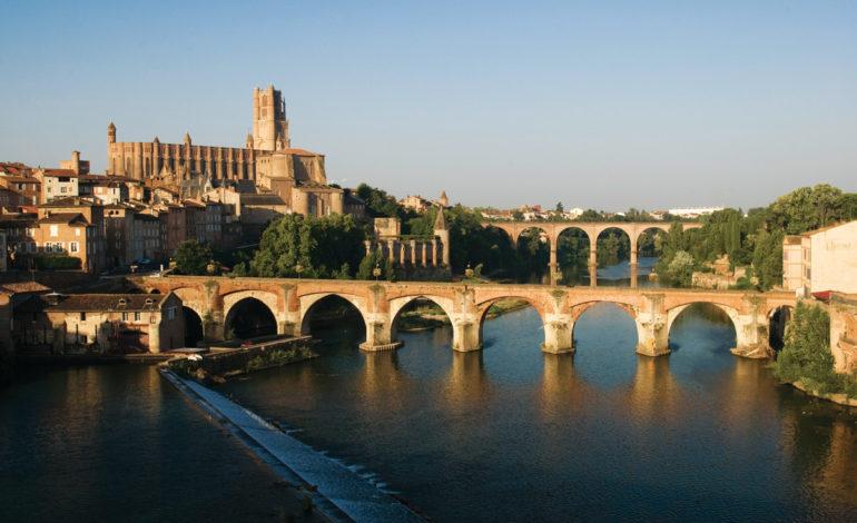 1-Cathedrale-Sainte-Cecile-Palais-de-la-Berbie-Tarn-Pont-Vieux_Albi---L.-Frezouls.jpg-1200px