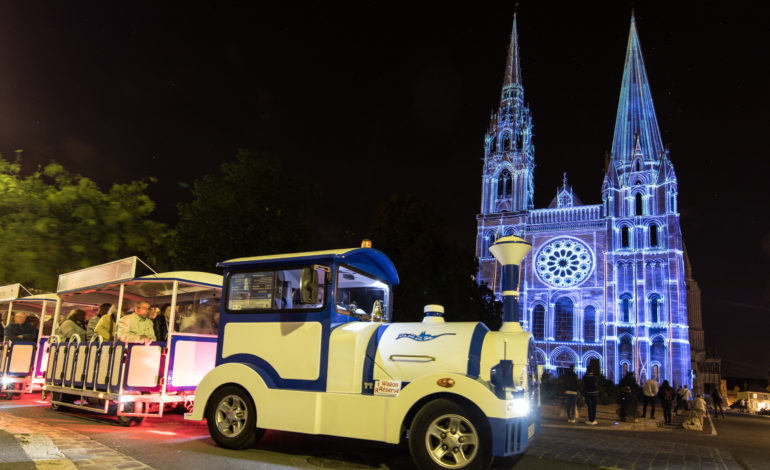 Chartres en Lumières en Petit Train touristique