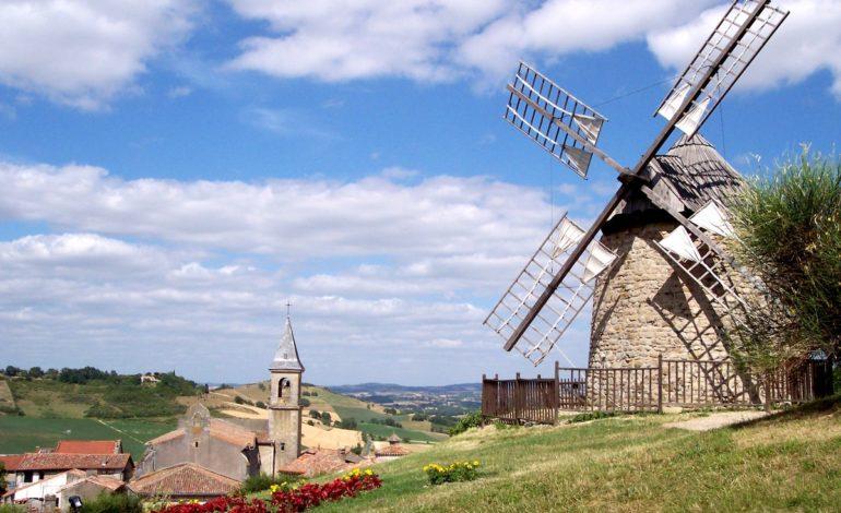Moulin_a_vent_-_LautrecWindmill_-_Lautrec-CDT81-RIVIERE_Christian-10-Vue-d-ensemble_Lautrec---CDT-du-Tarn-C.-Riviere-20080408.18164-1200px