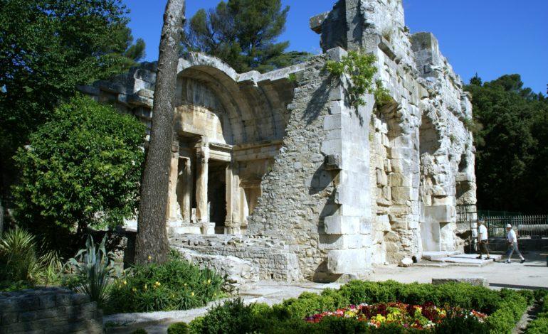 Nîmes-Temple de Diane-1826