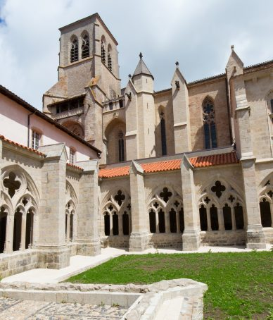 Le cloître gothique de l'abbaye de la Chaise-Dieu